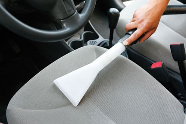 Sehr Autositze reinigen - wirksame Hausmittel für fleckige Sitze XL16