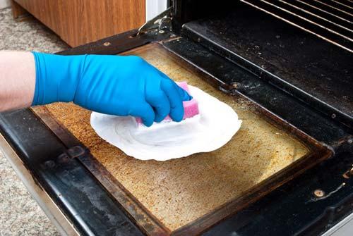 backofen reinigen mit backpulver und essig