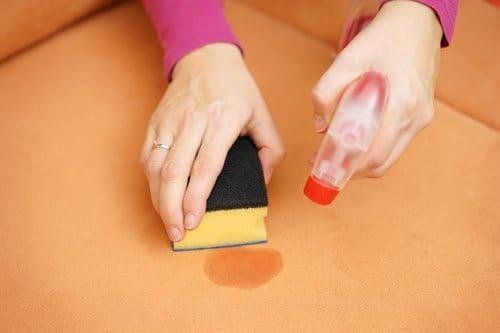 fettflecken entfernen wirkungsvolle hausmittel tipps. Black Bedroom Furniture Sets. Home Design Ideas