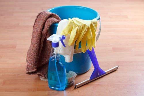 Fußboden Wischen Hausmittel ~ Laminat reinigen streifenfrei mit hausmitteln